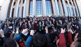传播时代声音 展现中国气象――中央和地方媒体两会报道精彩纷呈