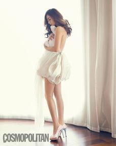 金喜善大尺度写真 露美背美腿性感迷人