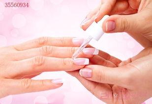 女性涂指甲油的危害