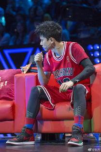 ...杰穿篮球服唱 灌篮高手 主题曲 阳光帅气活力十足