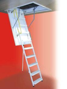 小阁楼简易楼梯装修鉴赏 漂亮还节省空间-顶层楼房经常附带一个小阁楼