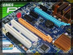 fd78a19e0002498e-主板提供了2条PCI-E x16显卡插槽为PCI-E 2.0规格,支持双8x规格....