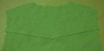 小V立领女衬衫的制作过程   宝剑头门襟的做法   袖子的做法   后背拼接...
