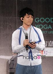 ...华语男明星着装PK赛 4月14日 4月27日