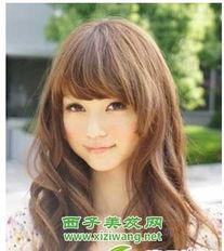 2012最新女生长发烫发发型设计 8