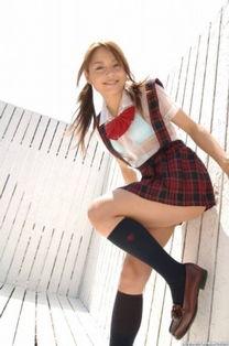 第1名:冲田杏梨   能进入前10名的虽然少不了波姐.她那冷艳丽的面...