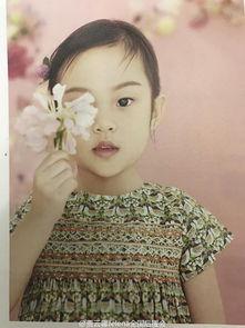 ...儿拍亲子写真 甜馨越长越像妈妈