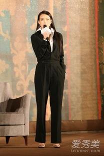 免费av大色窝-宣传电影《聂隐娘》,一袭帅气利落的黑色连体裤内搭白衬衫,不仅凸...