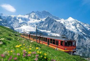 火车 多国穿梭-欧洲最美季节华丽开启 深游欧洲交通攻略