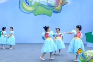 视频名称:幼儿舞蹈视频大全爸爸去哪儿 2018舞蹈大赛作品-幼儿舞蹈...