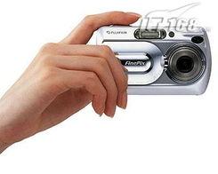 最近约10cm的微距拍摄功能;具有自动,手调,人物,风景,运动,...