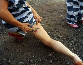 手铐脚镣 女囚 监狱