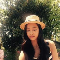 国际在线专稿:据韩国《亚洲经济》报道,f(x)成员Victoria(宋茜)公...