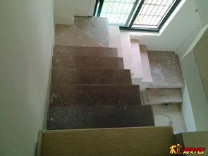 ...工用多层板做了楼梯架子,请问后面的楼梯踏板应该怎么做