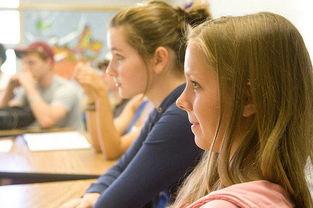 高三那事-美国私立高中申请条件   1、年级:初二至高二的在读学生   申请美国高...