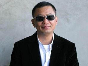 中国电影集体向好莱坞投降,沉沦于虚无缥缈的商业题材的时候,这种...