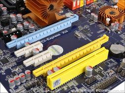 轮x俱乐部磁力1 4-捷波 悍马HA03 AM3D提供2条PCI-E x16插槽,支持PCI-E 2.0规范,支...