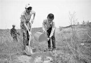 ...,在该县东坑镇治沙英雄牛玉琴造林基地共同开展了一次以