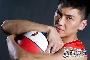 ...高大脸庞俊俏 篮球帅哥酷似影星