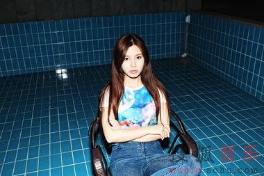 以创作女歌手之名启航 朱婧EP 她 全面上市5860952 音乐频道图片库