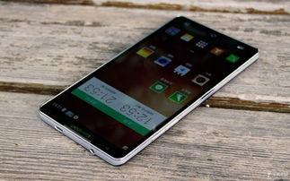 ...的外观设计既有延续,也有创新.其实,在第一眼看到这款手机时...