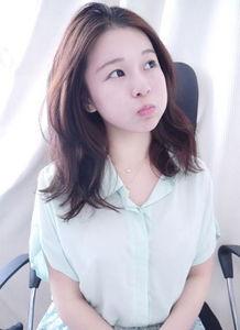森女系编发教程图解 最新韩式简单发型扎法步骤