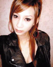姐也色原创17p-据台湾媒体报道,女艺人萧依婷涉嫌吸毒被捕后,向警方供称:她曾因...
