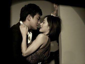 护士婚外情后遭裸照威胁 被逼继续做情人