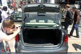 据之前的报道,国产车型预计会在2012年登场.   新Jetta后备箱   新...