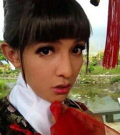 车辰希安白刘文文-2006年,贺军翔为了台剧《我们结婚吧》(不是黄海波那部)扮成34D...