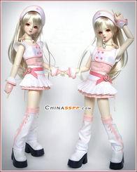 ... 低龄版的超级SD娃娃