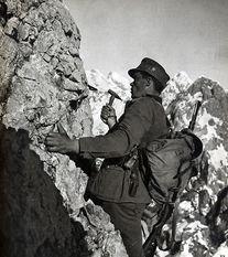 ...斯山的雪绒花 二战德国山地部队 资料图