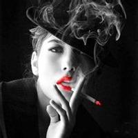 qq霸气女生抽烟头像