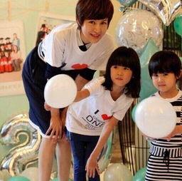 陆毅和鲍蕾哪有网上说的那么不喜欢二女儿