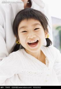 张嘴大笑的可爱女孩图片免费下载 红动网