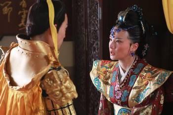 ...皇后,儿子贵为太子,却还得受其他宫妃的讽刺和挖苦