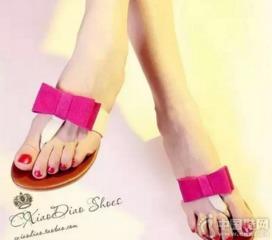 4、【绑腿高跟凉鞋――把脚「勒死」】   夏天来了,很多女性已经开...