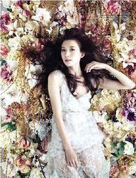 博览会拍摄了一系列主题大片,并... 沐浴花海的林志玲,在日本著名摄...