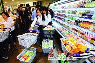 ...台湾饮品.图为成都某超市在下架有关产品.IC供图-围堵台湾塑化剂