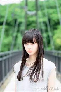 ...叫做小松菜奈的厌世脸,平平都是无精打采,为什么她就
