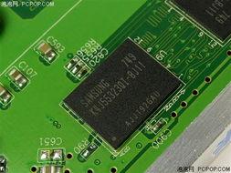 ...显卡只有显存的区别,上图是这款采用256MB/256Bit的产品,采用的...