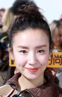 姐也色韩国-作为甜姐眼妆是一定不要浓的,像董洁这种一条细细的内眼线恰到好处...