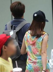 台湾小学五年级女生怀孕 同班 小爸爸 当场吓哭