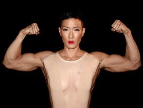 黑界知名-...水在模特儿界是著名的同性恋者,与她传过绯闻的女星多不胜数.名...