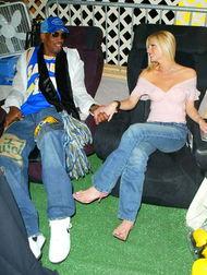 ...子女艳星布兰迪-罗德里克高在了一起.布兰迪是2000年花花公子的...
