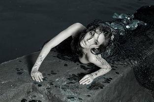 钟丽缇美人鱼旧照对比 钟丽缇美人鱼旧照曝光 各类明星美人鱼照片
