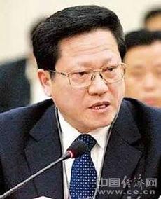 万庆良接替张广宁任广州市委书记 陈建华提名市长 简历