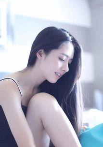 组图 郭碧婷穿吊带秀长腿 文艺女神也可以很性感