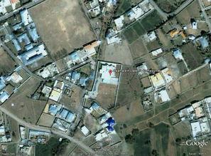 从谷歌地图上能够清晰的看到红色标志处,分别为本拉登的藏身之处以...