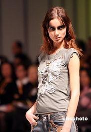 香港时装节 秋冬系列2007 上演独家表演